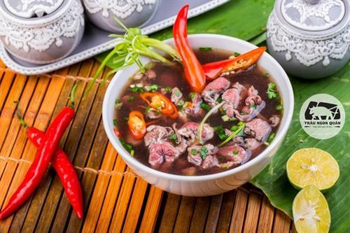 Thịt trâu tươi mang mùi vị vô cùng thơm ngon, đậm đà và giàu dinh dưỡng.