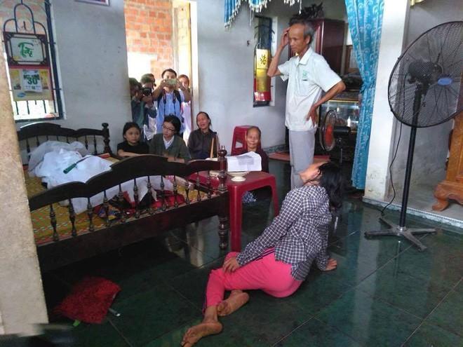 Không khí tang thương bao trùm khắp dòng họ Nguyễn Khắc.