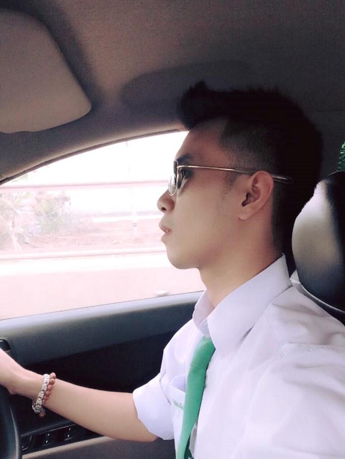 Tài xế Thành Trung thường dừng xe lại mỗi khi cơn buồn ngủ xuất hiện.