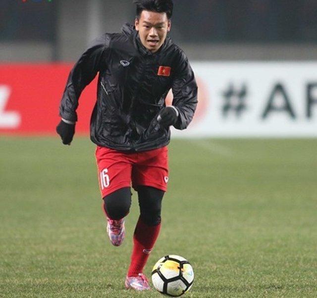 Trong lần được đá chính ngay từ đầu, Thành Chung đã chỉ huy rất tốt những đồng đội ở hàng phòng ngự, qua đó giúp U23 Việt Nam ngăn chặn rất nhiều pha lên bóng của U23 Oman ngay phía trước khung thành Tiến Dũng.