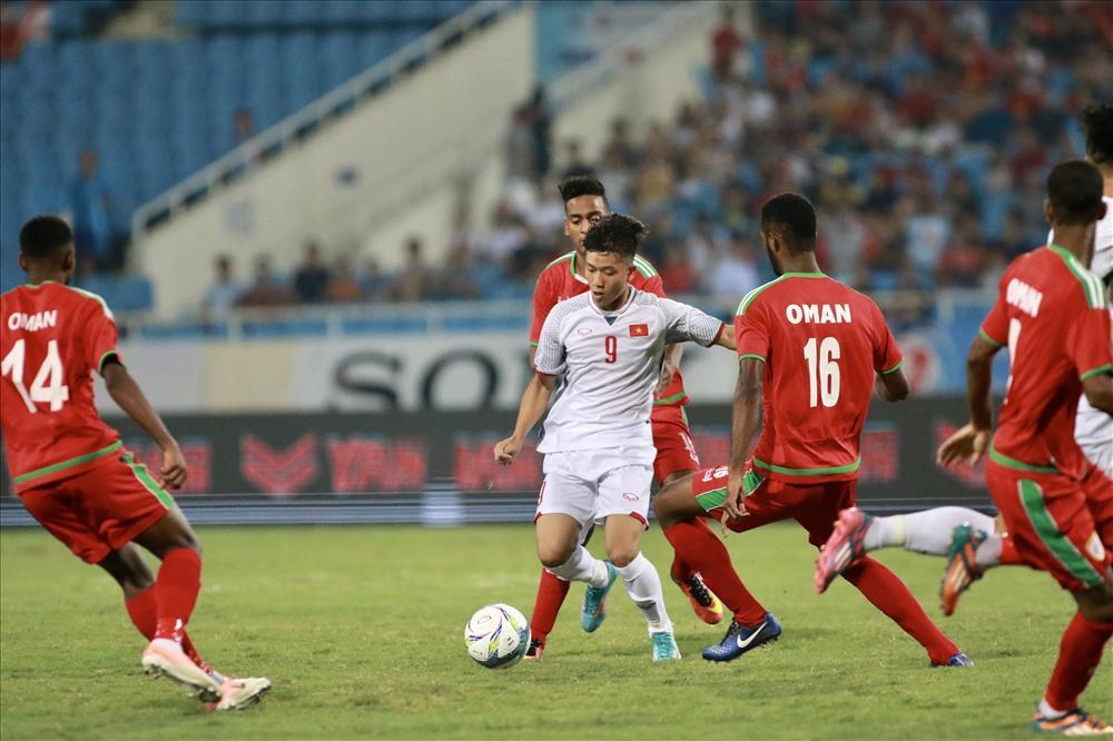 U23 Việt Nam gặp nhiều khó khăn trong lối chơi khi HLV Park Hang-seo thay toàn bộ cầu thủ ở trận đấu với U23 Oman