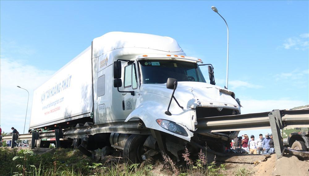Chiếc xe container được xác định hoàn toàn không có lỗi. Ảnh: Đ.V