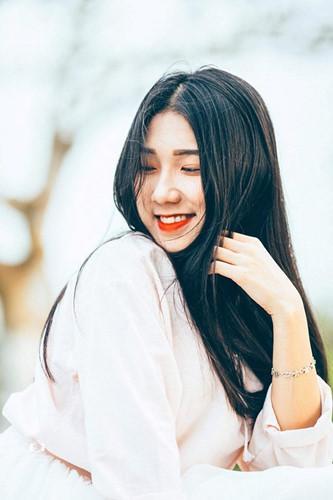 Nữ sinh Học viện Tài chính khiến các chàng trai đổ rầm rầm gốc Thái Nguyên, cô nàng sở hữu gương mặt xinh đẹp, vóc dáng mảnh mai cuốn hút.