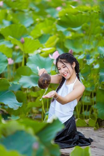 Nụ cười tỏa nắng là điểm gây ấn tượng đầu tiên của mọi người khi lần đầu tiếp xúc với Hương Lan.