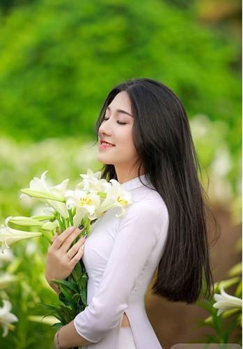 Nữ sinh xinh đẹp, đam mê múa là Quách Hương Lan (SN 1999) hiện đang là sinh viên năm 2- chuyên ngành Tài chính ngân hàng, Học viện Tài chính.