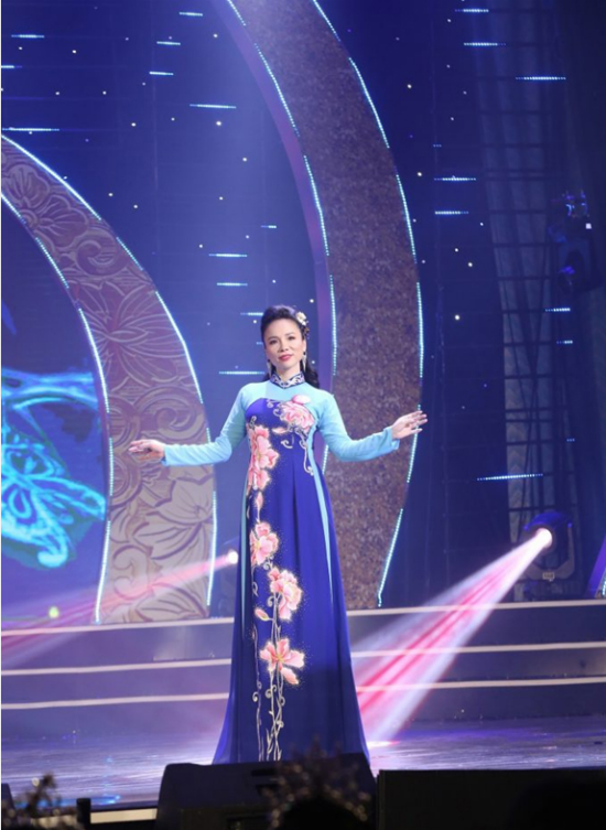 Vòng chung kết Nữ hoàng người mẫu doanh nhân đất Việt 2018 diễn ra vào tối 11/9, tại nhà hát Trưng Vương, TP Đà Nẵng. Vượt qua 30 thí sinh còn lại, người đẹp Hoàng Huệ giành chiến thắng nhờ ngoại hình và lối ứng xử thông minh.