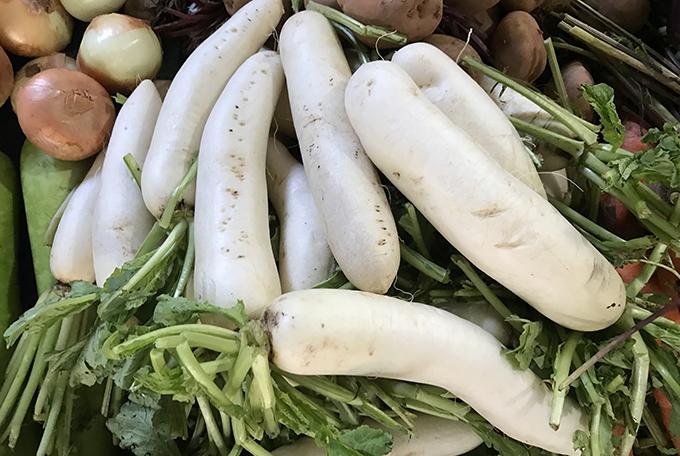Món đặc sản của người Tiều (Triều Châu) ở Bạc Liêu làm từ củ cải trắng, loại củ cải chứa nhiều đường vẫn thường được người Việt dùng để nấu canh hay nấu súp.