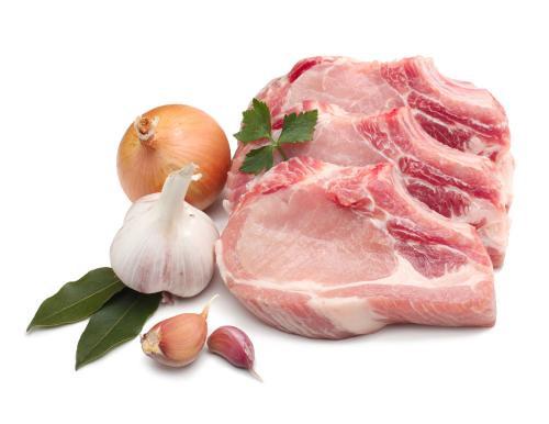 Vì thế, để giúp cơ thể có thể tăng hấp thu vitamin B1, khi ăn thịt nên ăn kèm theo tỏi tươi. Ảnh: taopic.
