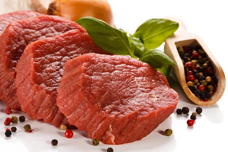 Ngoài ra, tỏi có tác dụng kích thích niêm mạc dạ dày, những ai bị viêm loét dạ dày, viêm dạ dày cấp tính, hoặc các bệnh về dạ dày cần hạn chế ăn tỏi sống. Ảnh: sohu.