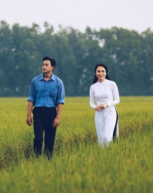 Việc góp mặt trong hai MV của Hương Tràm và Mỹ Tâm như bước ngoặt lớn trong sự nghiệp của chàng trai trẻ đến từ Bạc Liêu.