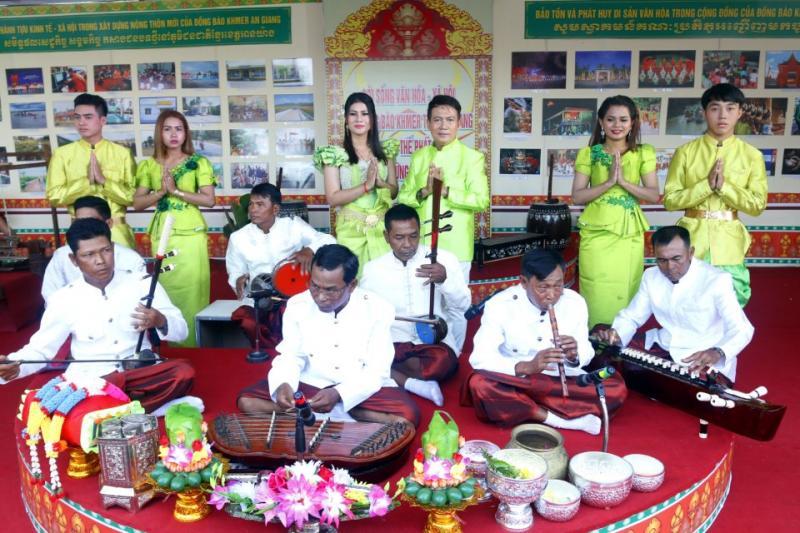 Những tinh hoa văn hóa độc đáo nhất đã được chắt lọc để mang đến lễ hội. Đó là các tiết mục hòa nhạc độc đáo