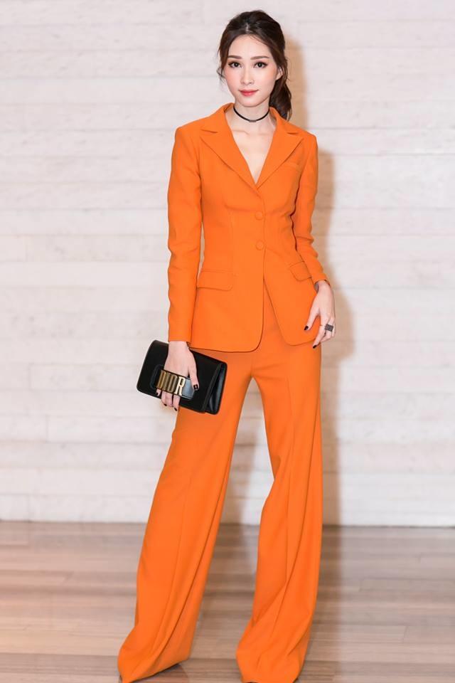 Túi Dior J'adior cá tính sành điệu của Đặng Thu Thảo có giá £2300 (67 triệu đồng).