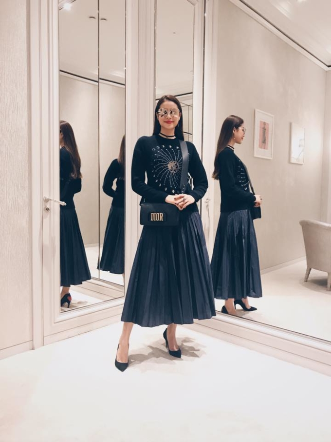 Nằm trong bộ sưu tập đầu tiên của Maria Grazia Chiuri dành cho Dior, túi J