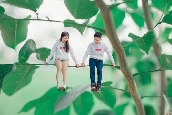 Dạo chơi trên cành cây