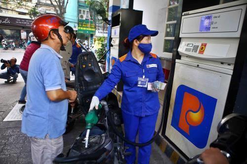 Bạc Liêu thực hiện nghiêm chủ trương chuyển bán xăng E5. Ảnh minh hoạ: Anh Nguyễn/BNEWS/TTXVN
