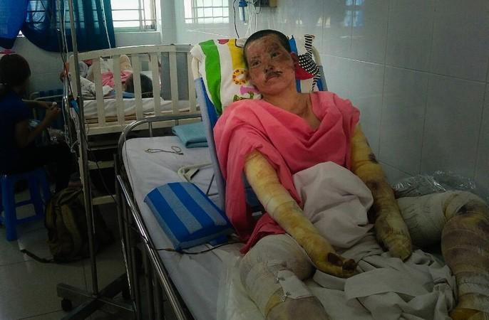 Chị Đào (vợ anh Phong) đang nằm tại Bệnh viện Chợ Rẫy, không thể về chịu tang chồng