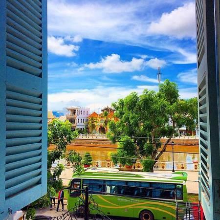 Khung cảnh nhìn từ cửa sổ nhà Công tử Bạc Liêu. (Nguồn: @karuko_san)