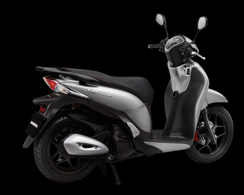 Thiết kế của Honda SH Mode có phần gượng ép, chiếc xe này được tích hợp của nhiều xe. Ảnh: Honda