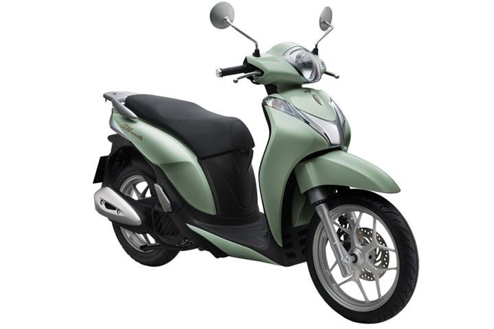 Honda SH Mode khá bất tiện khi bình đổ xăng được thiết kế dưới yên. Ảnh: Honda