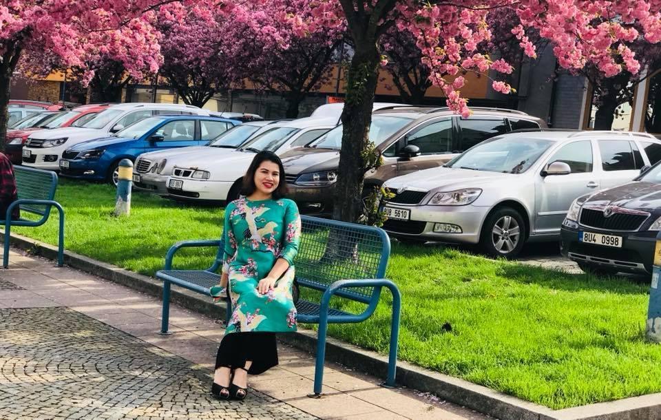 Chị Vân Anh chia sẻ, cần mạnh mẽ và yêu thương bản thân mình nhiều hơn.