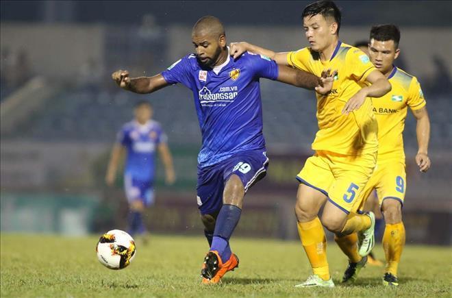 Quảng Nam vừa chia điểm với SLNA trên sân nhà ở vòng 8 cuối tuần vừa qua - Ảnh VPF
