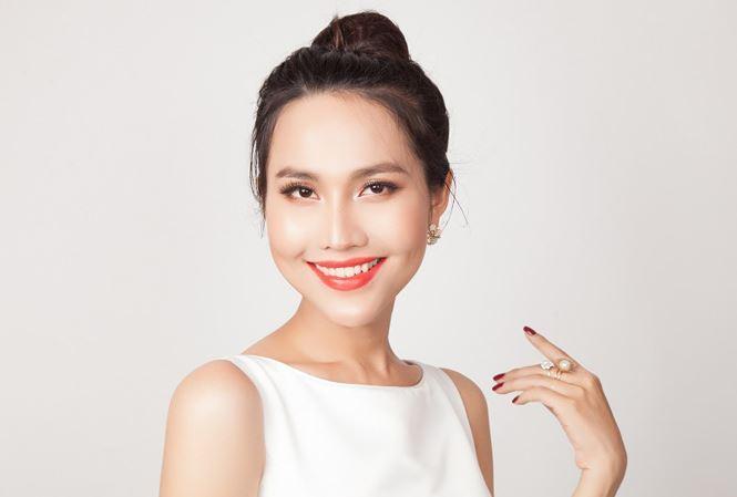 Hoa hậu chuyển giới đầu tiên của Việt Nam Hoài Sa.