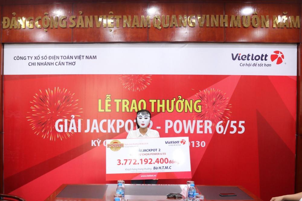 Chị H.T.M.C nhận giải Jackpot 2 trị giá hơn 3,7 tỷ đồng