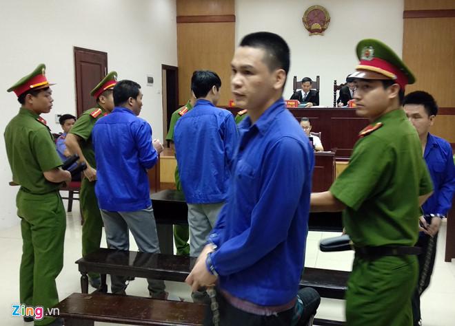 Nguyễn Văn Ninh và 3 bị cáo tại phiên tòa phúc thẩm. Ảnh: Hoàng Lam.
