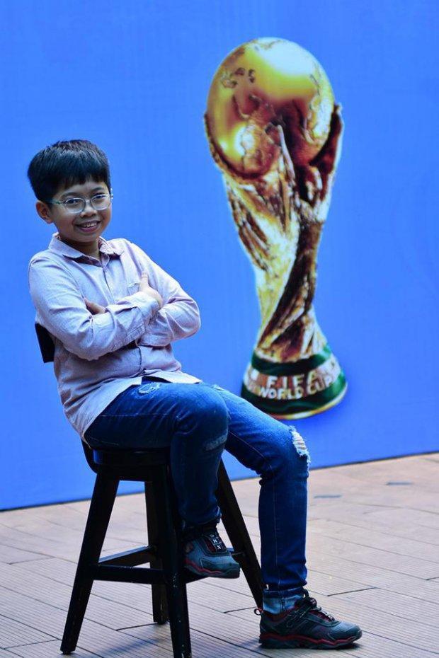 Thanh Sơn may mắn nhận được tấm vé đi Nga nhờ hai lần đi ăn ở một cửa hàng thức ăn nhanh ở Bình Thạnh, TP.HCM.