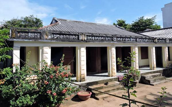 Ngôi nhà của nghệ nhân Võ Hiển Đạt ở thôn Tây xã An Hải, đảo Lý Sơn được xem là một trong những ngôi nhà gỗ mít cổ nhất Việt Nam.