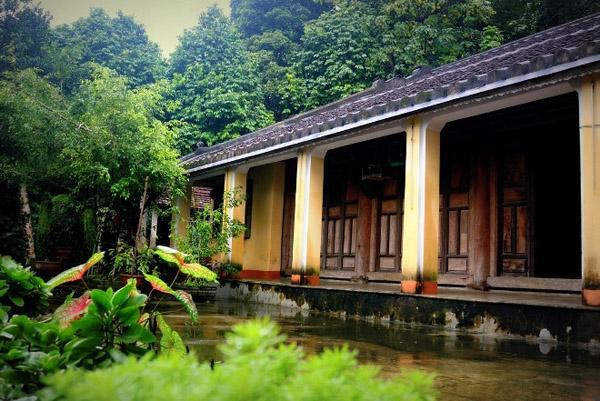 Trong những ngôi nhà cổ ở làng Lộc Yên, ngôi nhà 200 tuổi của ông Nguyễn Đình Hoan thuộc hạng lâu đời nhất.