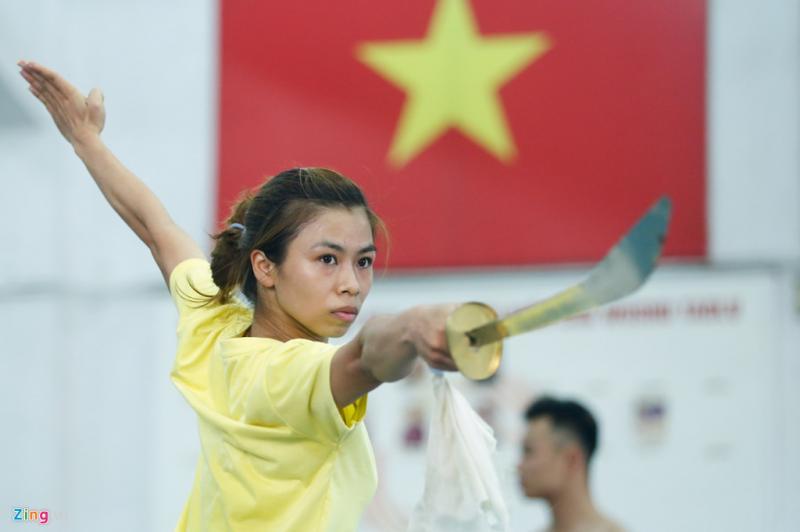 Phương Giang giành HCV kiếm thuật nữ ở SEA Games khá bất ngờ. Giang và Vi là những hy vọng hàng đầu của wushu Việt Nam ở Giải vô địch thế giới sắp tới. Tuyển Việt Nam cùng với Trung Quốc, Iran, Nga, Hong Kong là những thế lực lớn ở giải wushu thế giới.