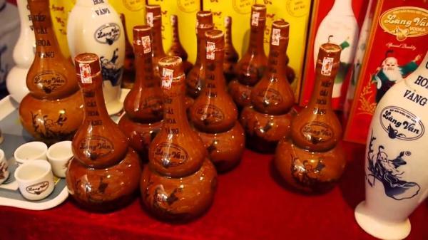 Rượu làng Vân - Đặc sản Kinh Bắc. (Nguồn: xttmnongnghiephanoi.vn)