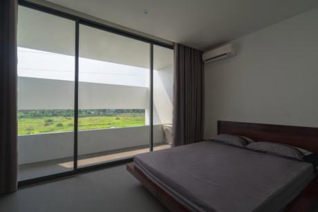 Phòng ngủ thật gần gũi với thiên nhiên.