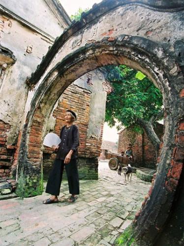 Những người yêu hồn quê Việt đang nỗ lực nối lại những đứt gãy của truyền thống bằng cách lưu giữ không gian cổ.