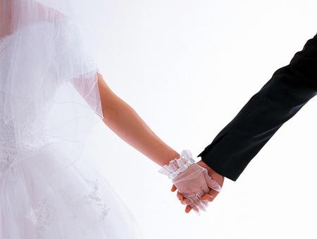 Đám cưới nên là sự kết trái ngọt ngào của những hòa hợp trong tình yêu và lẽ sống thay vì chuyện mê tín viển vông . Ảnh minh họa.