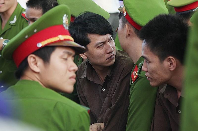 Tử tù Nguyễn Hải Dương trong phiên xử phúc thẩm. Ảnh: HOÀNG GIANG