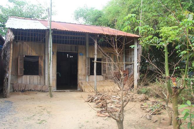 Căn nhà nhỏ tại xã Dương Nghiệp Anh là nơi sinh sống của 4 người nhà bé Thảo.