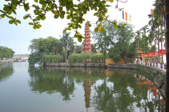 Lễ hội chùa Bút Tháp càng có giá trị hơn khi chùa được xếp hạng di tích quốc gia đặc biệt. (Ảnh: dantri.com.vn)