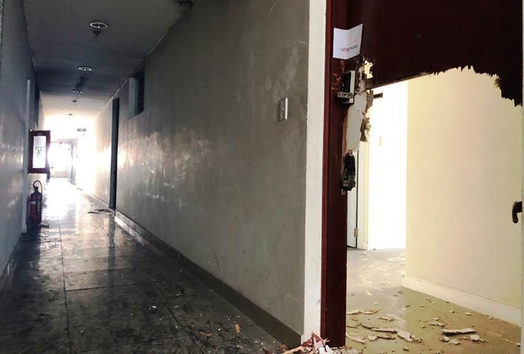 Những căn hộ cao cấp tại chung cư Carina Plaza tiêu điều sau vụ cháy...