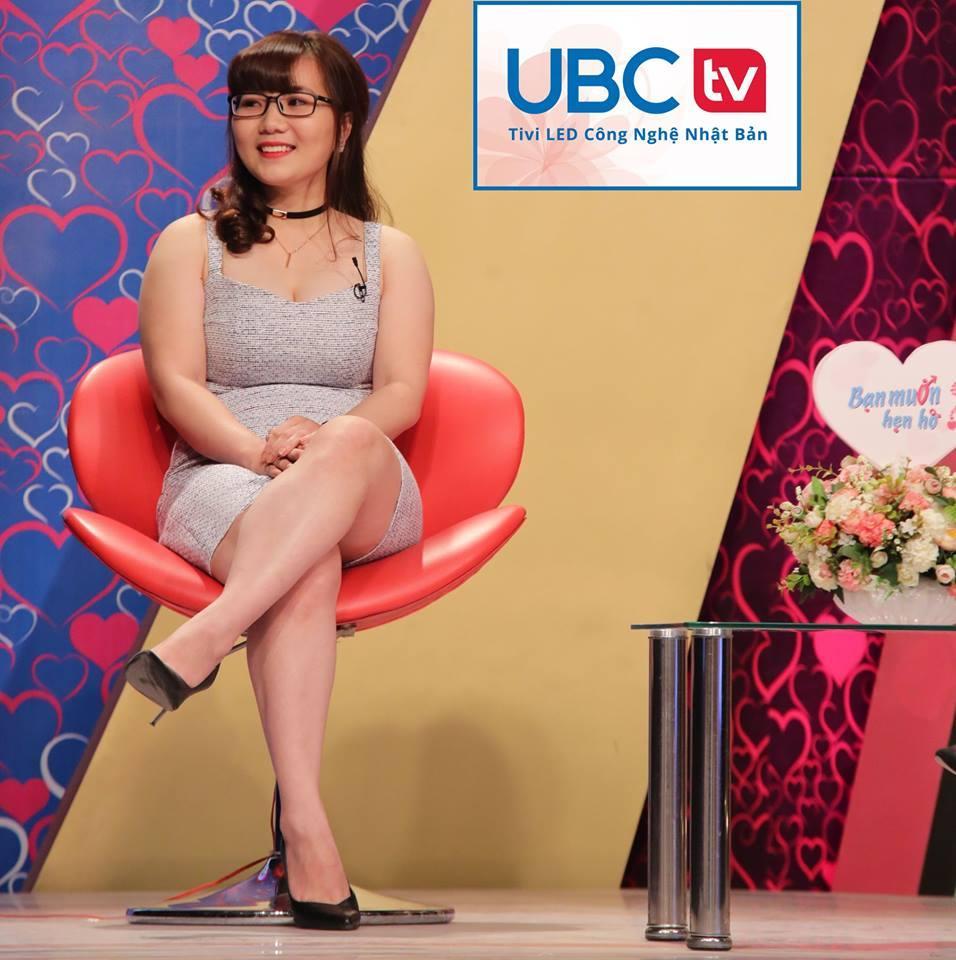 """Kim Xuyến trong chương trình """"Bạn muốn hẹn hò"""""""