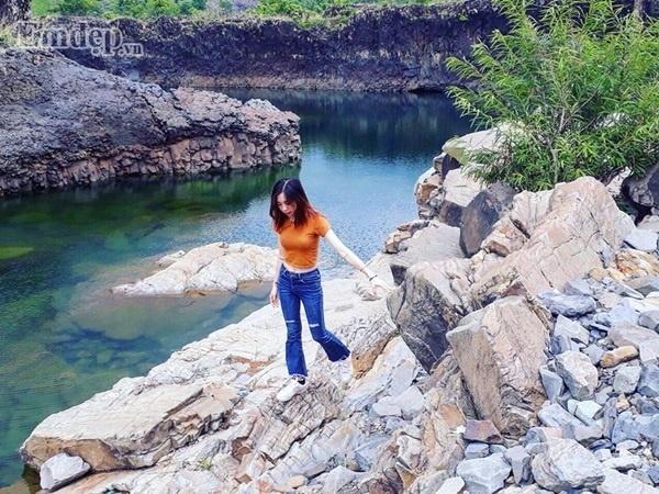 Ven hồ có nhiều khu vực có thể chụp ảnh