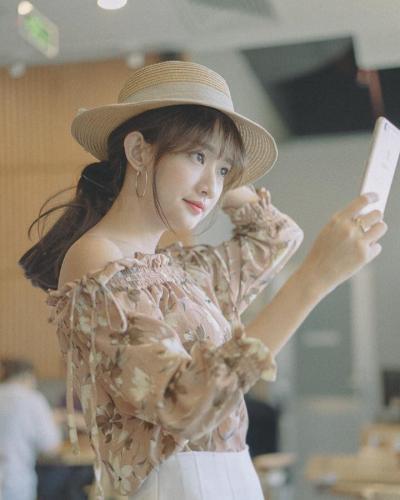 Dù có bị chụp trộm thì Thanh Vy cũng vẫn xinh đẹp như thường... (Nguồn: Fb Nguyễn Thanh Vy)