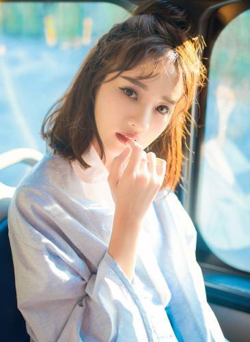 Nữ diễn viên 9X còn được cư dân mạng biết đến với biệt hiệu là Thiên thần xe buýt. (Nguồn: NVCC)