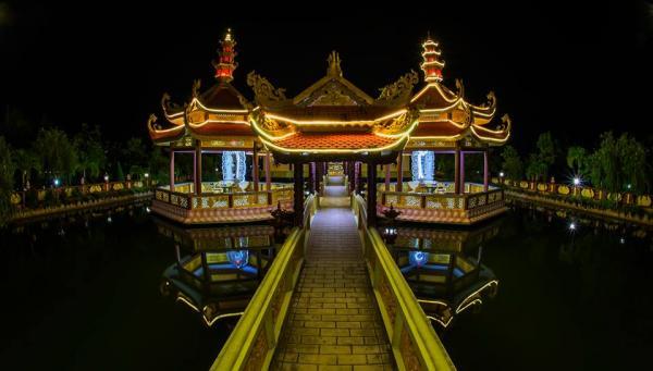 Ngôi chùa có phong cách giống cung đình thời xưa
