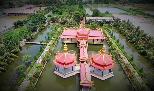 Ngôi chùa như viên ngọc sáng giữa vùng đất khô cằn, hẻo lánh