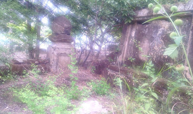 Ngôi mộ cổ tương truyền có vàng. Ảnh: Vietnamnet.