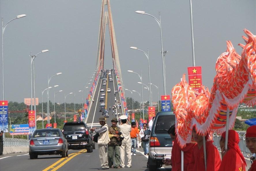 Cầu Rạch Miễu hiện hữu đã trở nên quá tải.