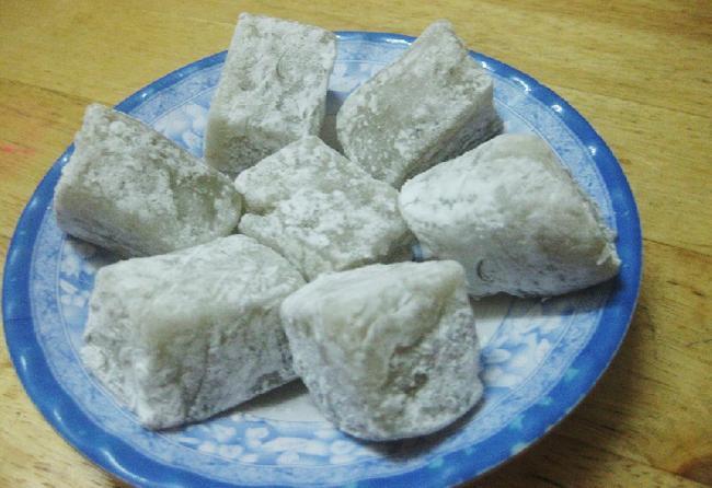 Bánh hồng thơm thơm, dẻo dẹo, ngọt ngọt, mê lòng người. Ảnh: timeouvietnam
