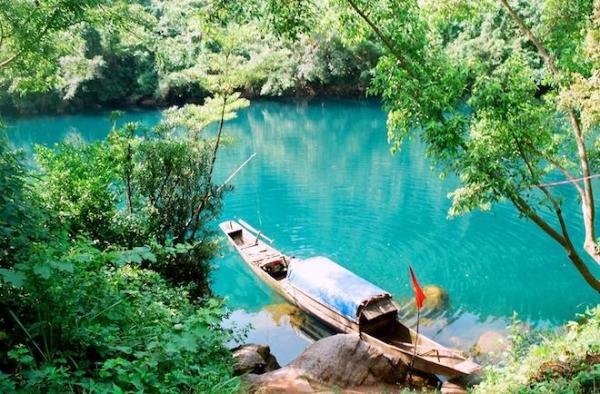 Suối nước Moọc - Địa điểm du lịch hút khách ở Quảng Bình. (Nguồn: danviet.vn)